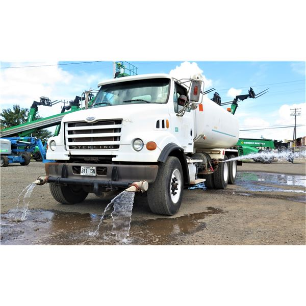 2007 Sterling LT7500 Water Truck 4K Gallon - Runs & Sprays Water (See Video), Lic. 241TSN, Odometer