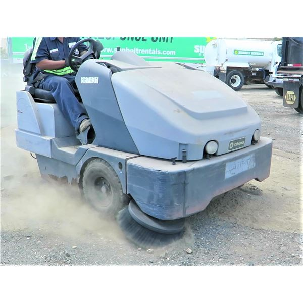 ADVANCE SW8000 RIDE ON SWEEPER -(Runs & Drives See Video)