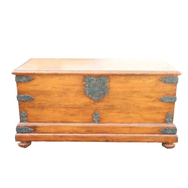 Althorp English Wooden Trunk