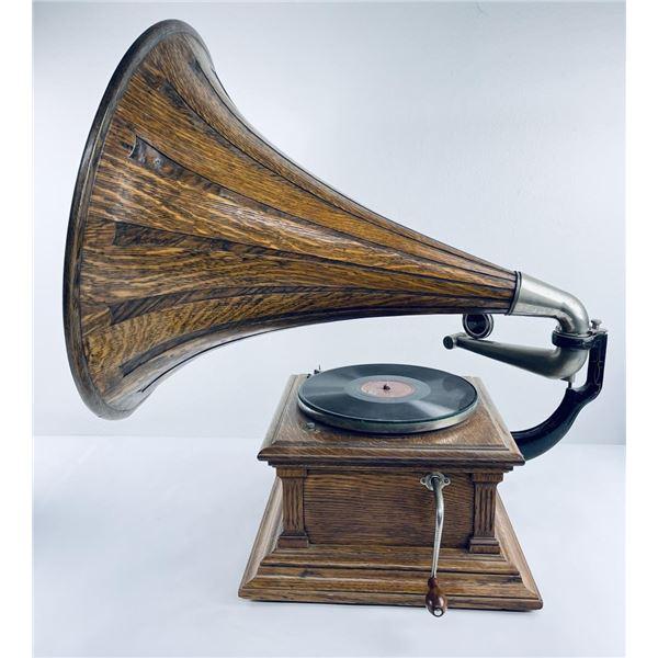 Victor Talking Machine Type III Phonograph