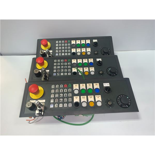 (3) - SIEMENS 6FC5303-1AF12-8BD0 CONTROL PANELS