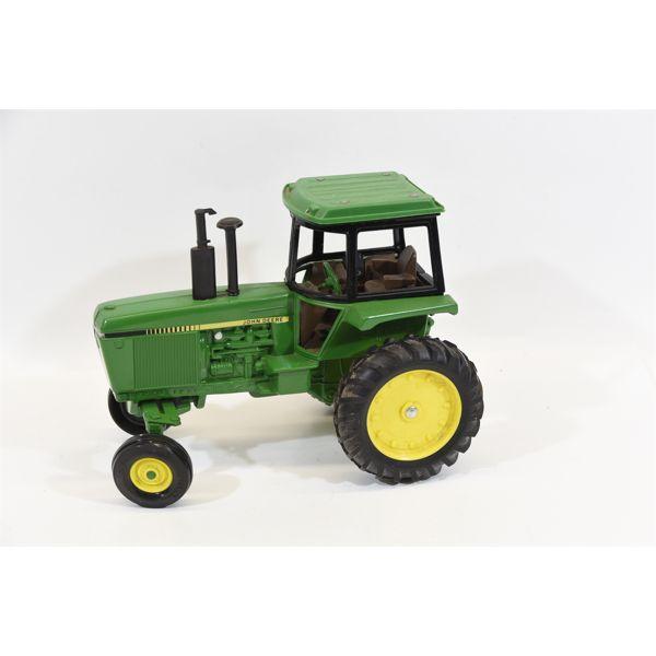 "Ertl ""John Deere #52040"" Die-Cast Toy Tractor Made in USA."