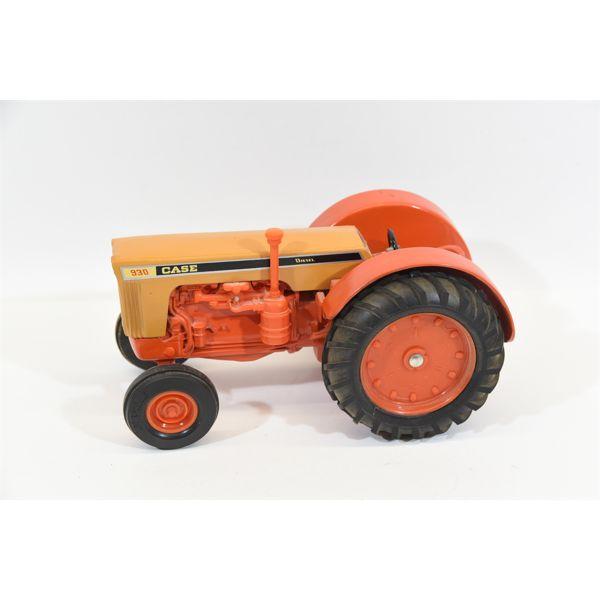 ERTL Case 930 Diesel Tractor