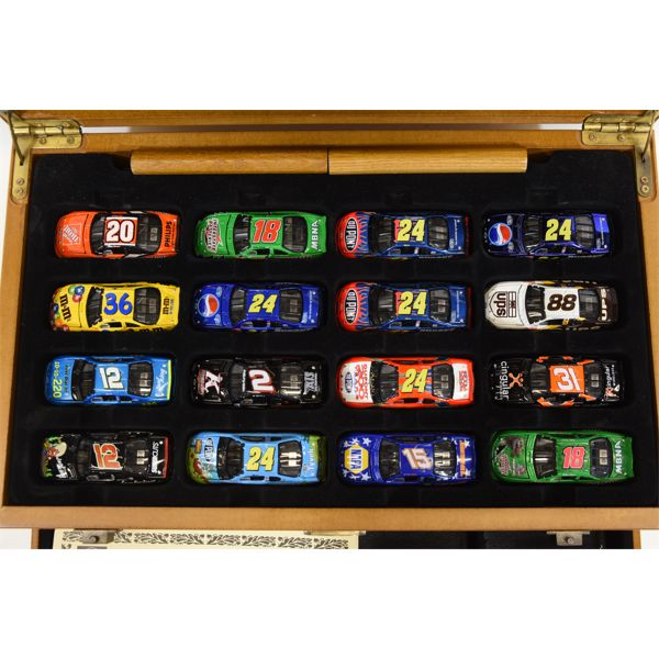 Display Case for 1:64 Scale Cars w/ 17 Cars Included