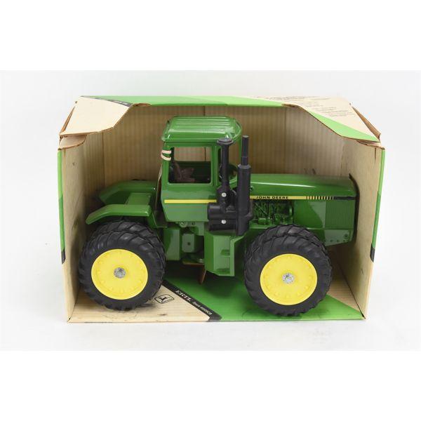 John Deere 4-Wheel Drive Tractor