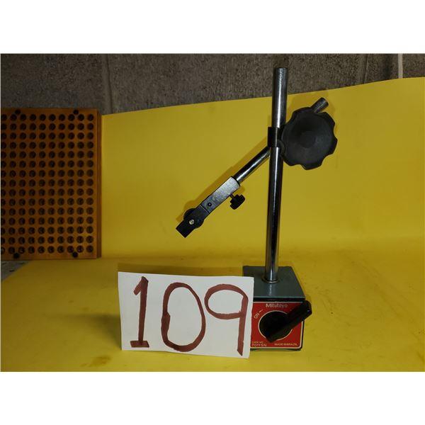 Mitutoyo No.7011SN Magnetic Base