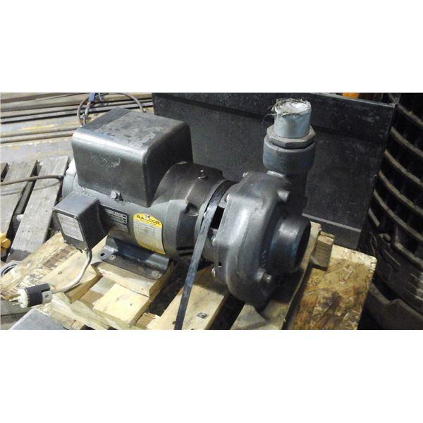 """Pompe circulatrice 3"""" npt moteur Baldor 5 hp 230 volt 1 ph"""