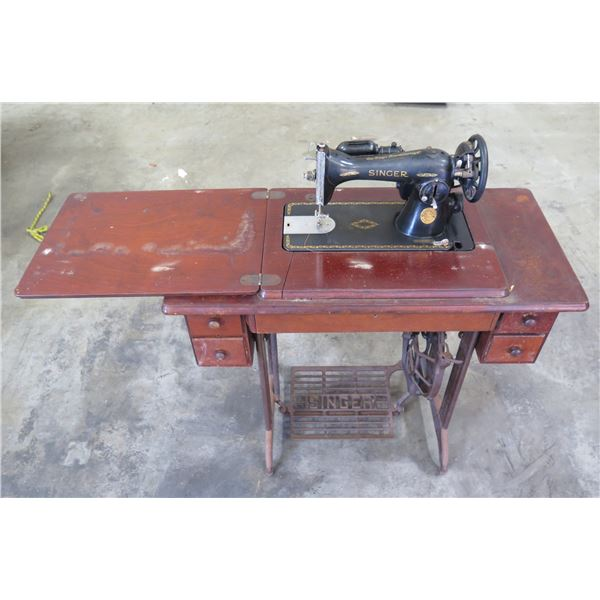 Vintage Singer Sewing Machine BA-3-8S in Wood & Metal Folding Cabinet Table