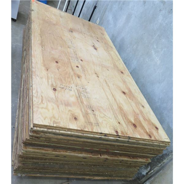 "Pallet 40 Plywood Sheets 96""L x 48"" W"