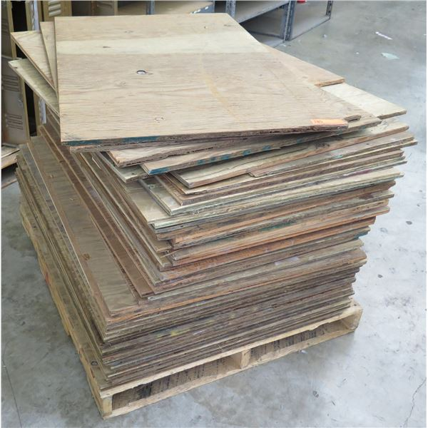 "Pallet Multiple Plywood Sheets 36""x30"""