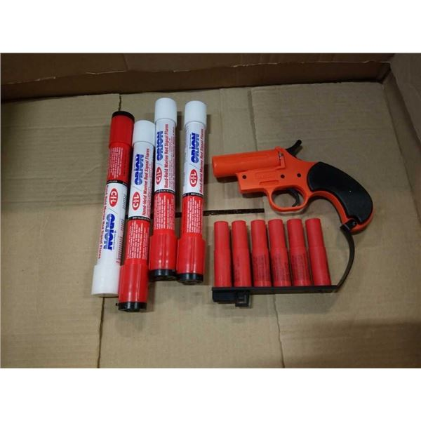 New Orion signal flare gun and handheld Marine red signal flares