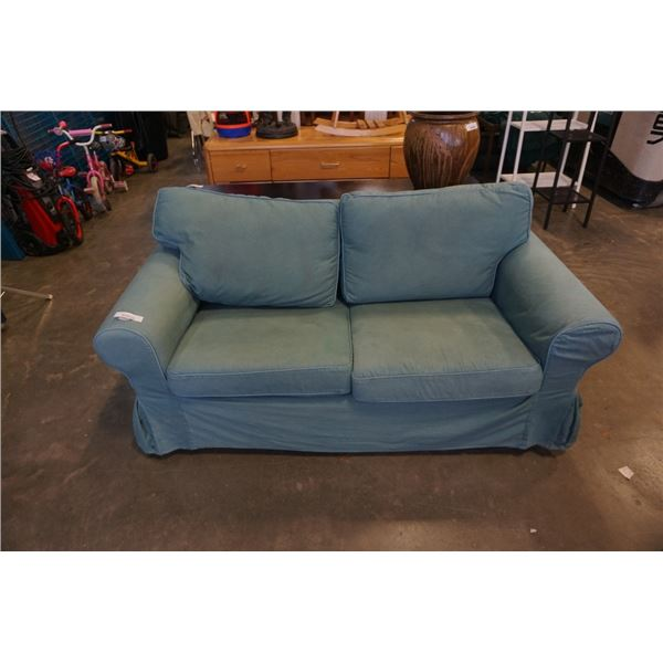 GREEN ROLLED ARM LOVESEAT