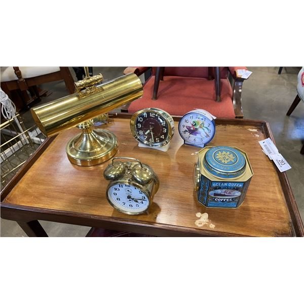 LOT OF VINTAGE CLOCKS AND BANKERS LAMP