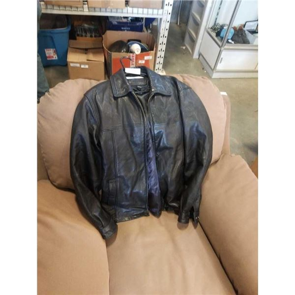 Denver Hayes leather motorcycle jacket tag says small said to fit like a large