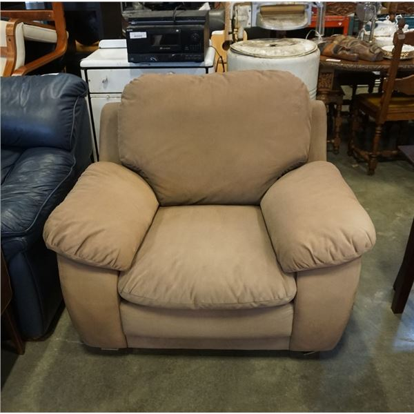 BROWN UPHOLSTERED OVERSIZED ARMCHAIR