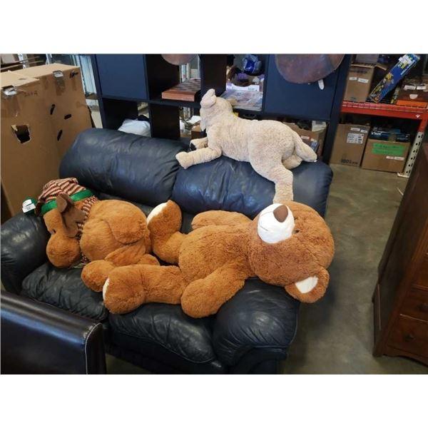 3 large stuffed animals