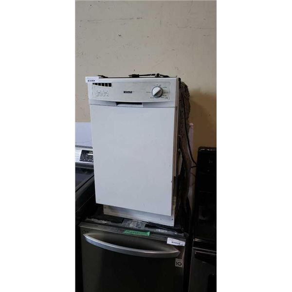 KENMORE APARTMENT SIZE BUILD IN DISHWASHER,