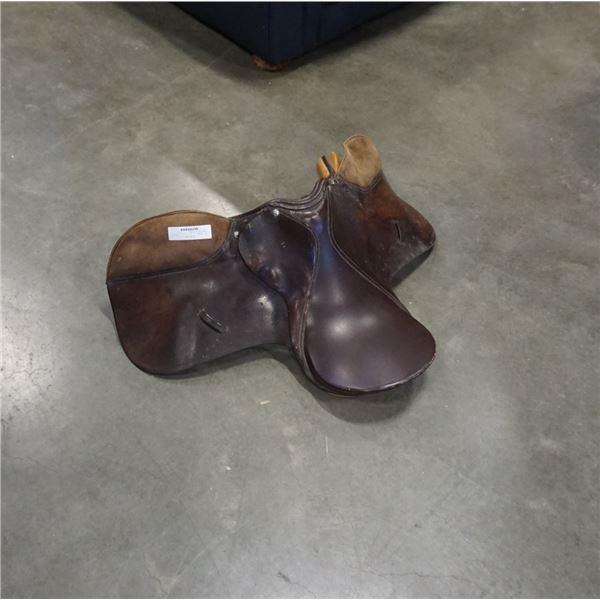 Vintage english horse saddle