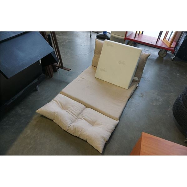 ANGLEAND WEDGE CUSHION AND FOLD OUT BED BACK DOESN'T LOCK