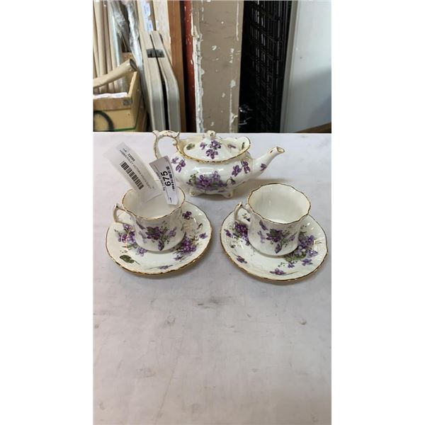 HAMMERSLEY VICTORIA VIOLETS TEAPOT AND 2 CUPS AND SAUCERS
