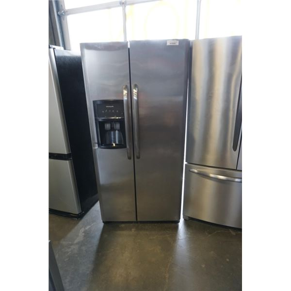 FRIGIDAIRE STAINLESS FRENCH DOOR SIDE BY SIDE FRIDGE WITH ICE AND WATER - WORKING 32 INCHES