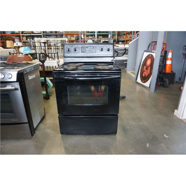 BLACK FRIGIDAIRE SELF CLEANING STOVE - WORKING
