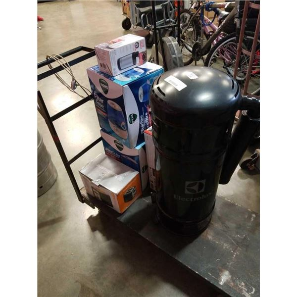 Lot of store return humidifiers, toaster, spice grunder, RC copter and electrolux central vacuum