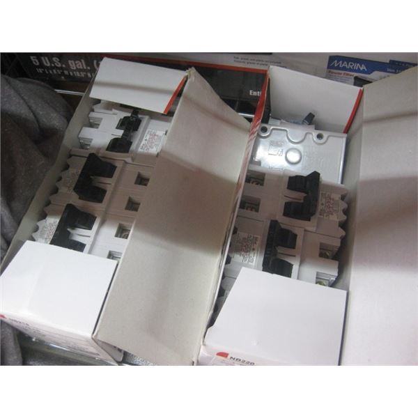 2 BOXES STAB-LOK BREAKERS DOUBLE 15 DOUBLE 30 AMP