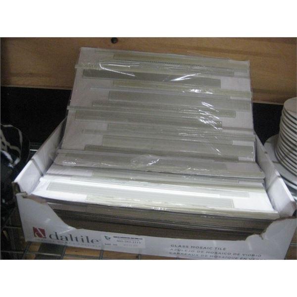 DALTILE GLASS MOSIAK 11PC X 15X15 TILE 11SQ FT