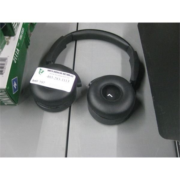AKG HEADPHONES UNKNOWN UNTESTED