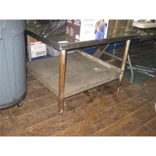 36 X 36 INCH STAINLESS EQUIPMENT STAND