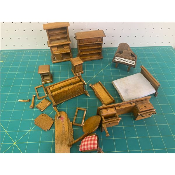 LOT OF HOME-MADE WOODEN DOLL FURNITURE SOME BROKEN