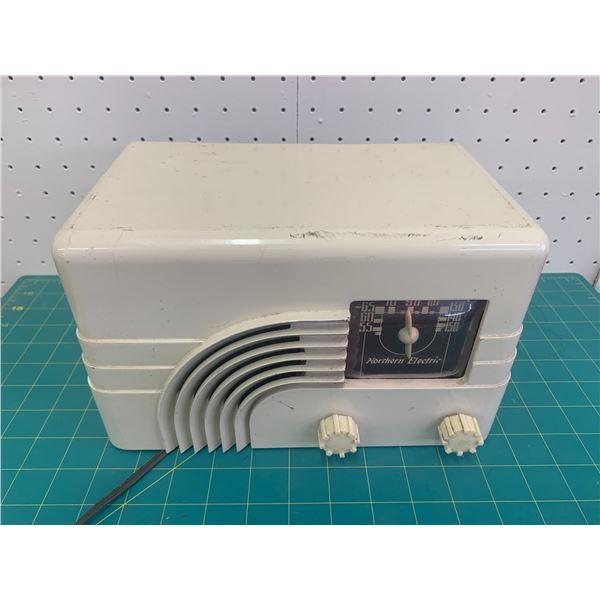 VINTAGE NORTHERN ELECTRIC RADIO WORKING