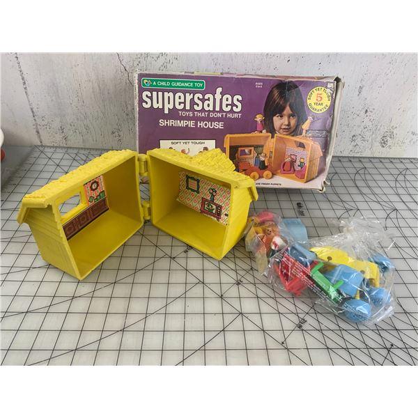 VINTAGE SUPERSAFES SHRIMPIE HOUSE TOY SET WITH BOX