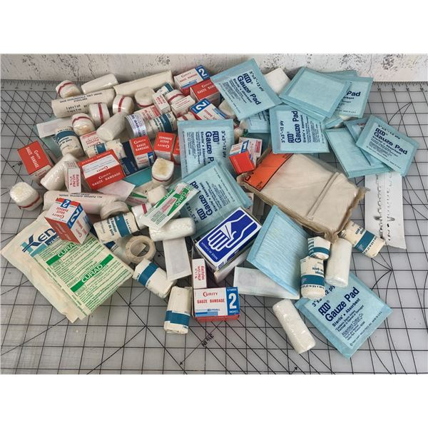 LOT OF VINTAGE FIRST AID RELATED MEDICAL PACKAGES ETC