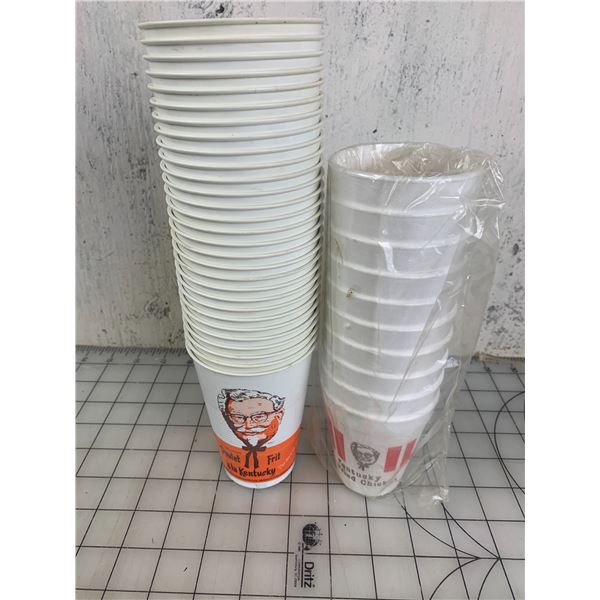 LOT OF 29 VINTAGE PLASTIC KFC CUPS AND 10 STYROFOAM CUPS