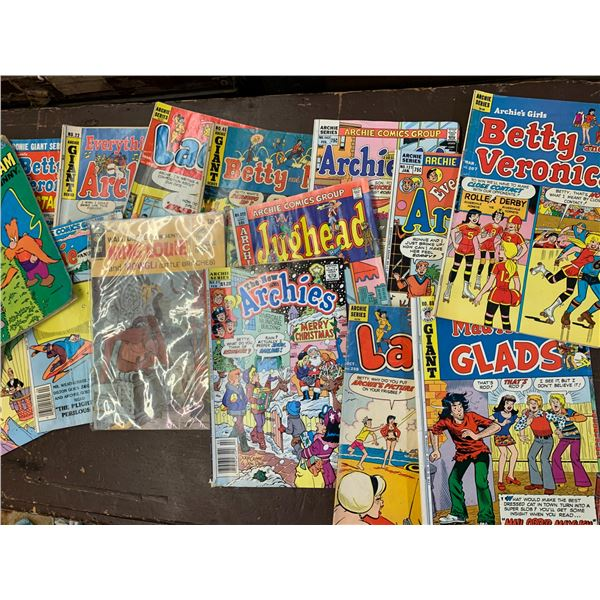 LOT OF 20 VARIOUS COMIC BOOKS ARCHIE WALT DISNEY ETC