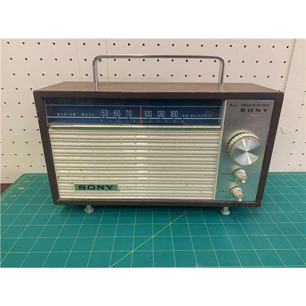 VINTAGE SONY TRANSISTOR RADIO