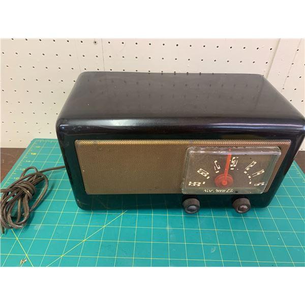 VINTAGE NORTHERN ELECTRIC RADIO