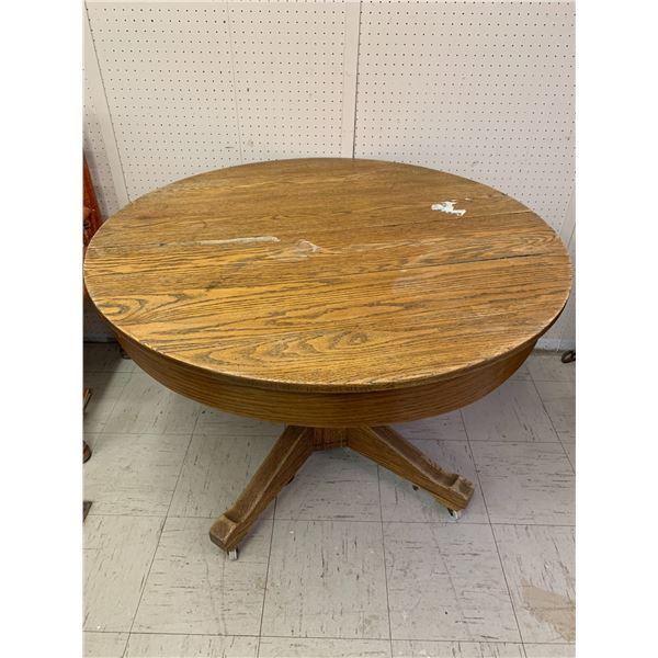 """41"""" ROUND ANTIQUE OAK PEDESTAL TABLE"""