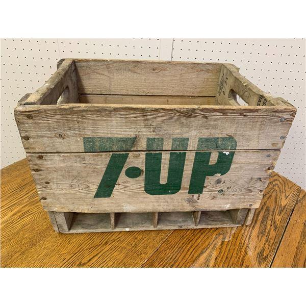 7-UP SODA POP BOTTLE CRATE