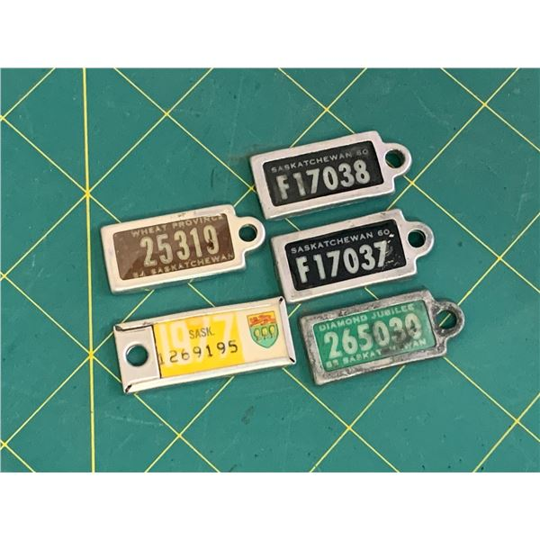 LOT OF WARAMPS KEYCHAIN LICENCE PLATES