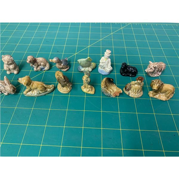 LOT OF 14 WADE RED ROSE TEA FIGURINES