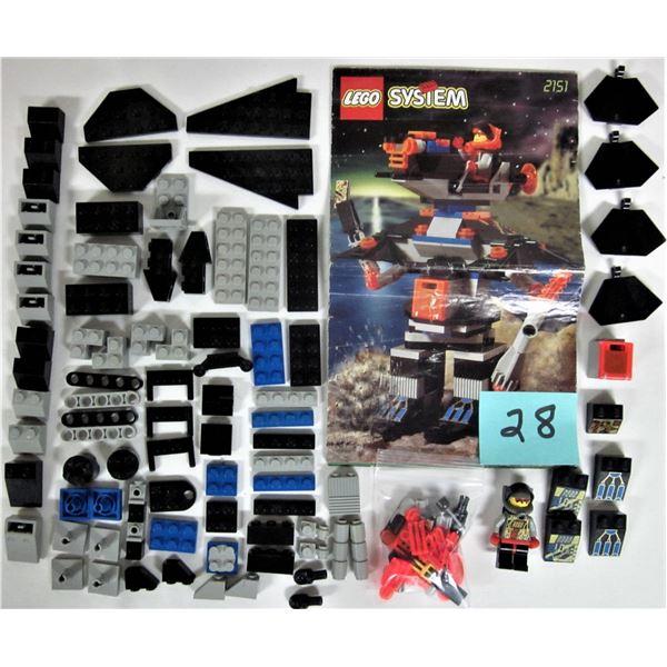 Rare 1997 space Lego 2151 robo raider + instructions