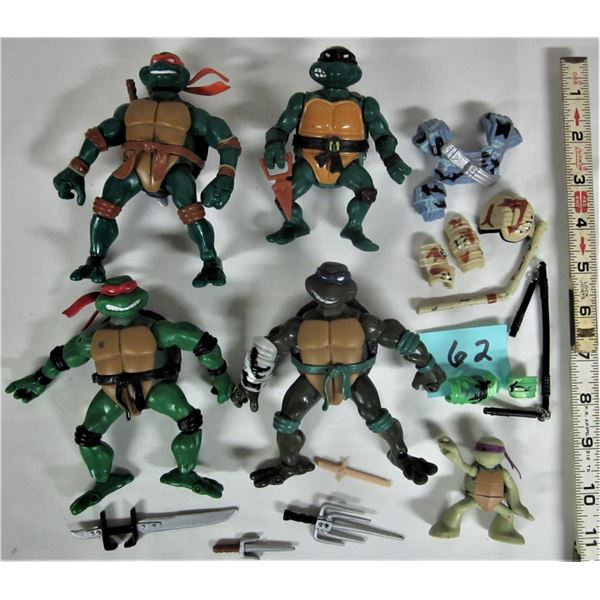 Lot of 5 vintage 1980's Teenage Mutant Ninja Turtles with accessories