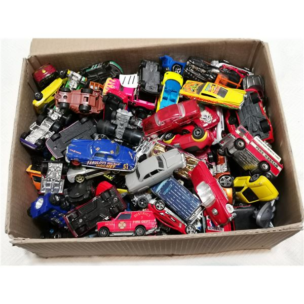 Over 130 Hot Wheels & other small vehicles