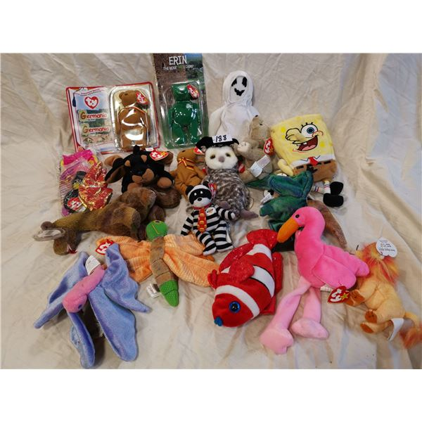20 Beanie babies, most with tags