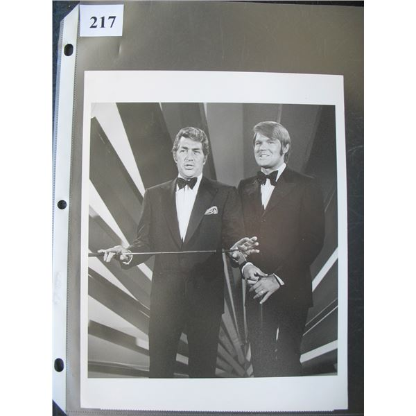 "7"" X 9""  GLOSSY PHOTO - DEAN MARTIN & GLEN CAMPBELL / NBC COLOR TELEVISION (1970)"