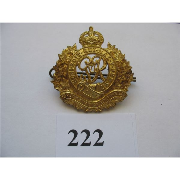 ROYAL CANADIAN ENGINEERS CAP BADGE - WW 2 - KINGS CROWN