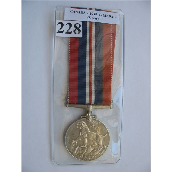 1939-45 WAR MEDAL - Canadian Issue - Silver
